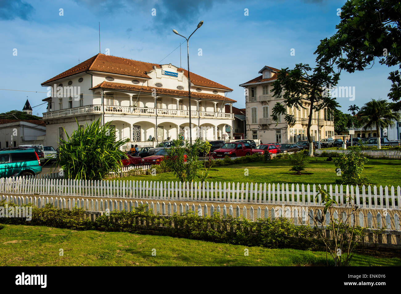 Colonial buildings on independence square in the city of Sao Tome, Sao Tome and Principe, Atlantic Ocean, Africa - Stock Image