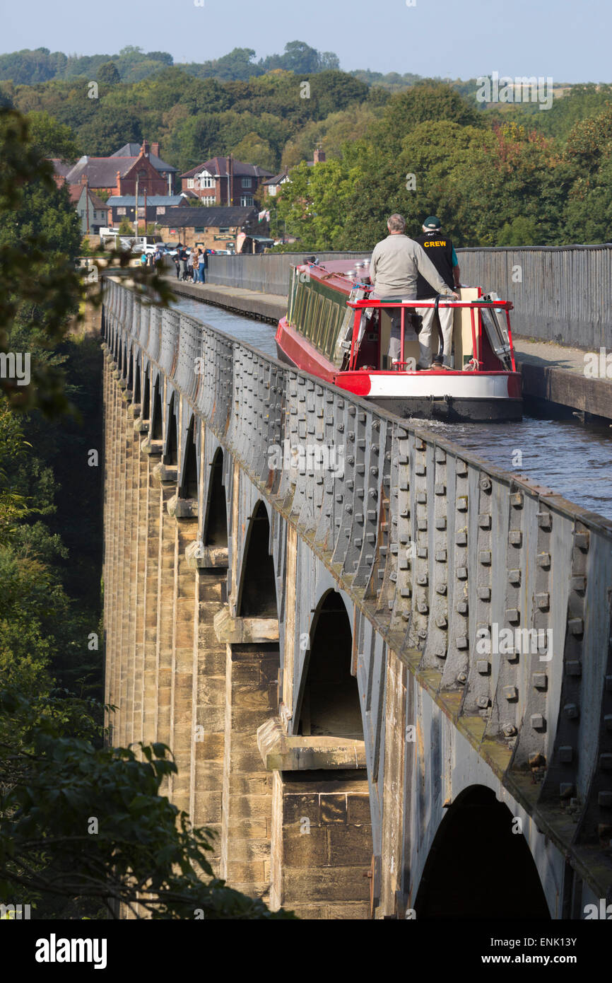 Pontcysyllte Aqueduct, built 1795 to 1805, UNESCO, and the Ellesmere Canal, Llangollen, Denbighshire, Wales, UK - Stock Image