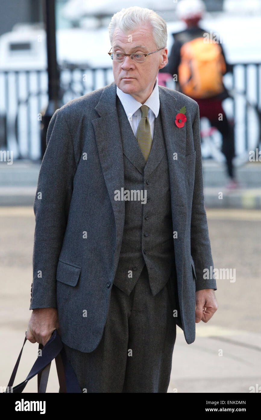Prosecutor Andrew Edis QC arrives at the Old Bailey today for the start of the second week of the phone hacking - Stock Image