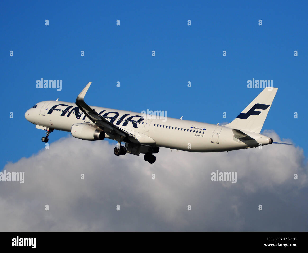 OH-LZL Finnair Airbus A321-231(WL) - cn 6083 takeoff from Polderbaan, Schiphol (AMS - EHAM) at sunset, - Stock Image