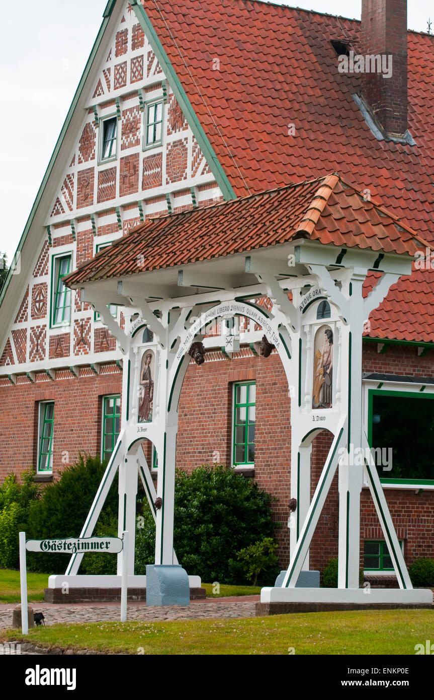 Tor, Bauernhof, Fachwerk, Altes Land, Niedersachsen, Deutschland |  Gate, Farm house, timber framed, Altes Land, - Stock Image