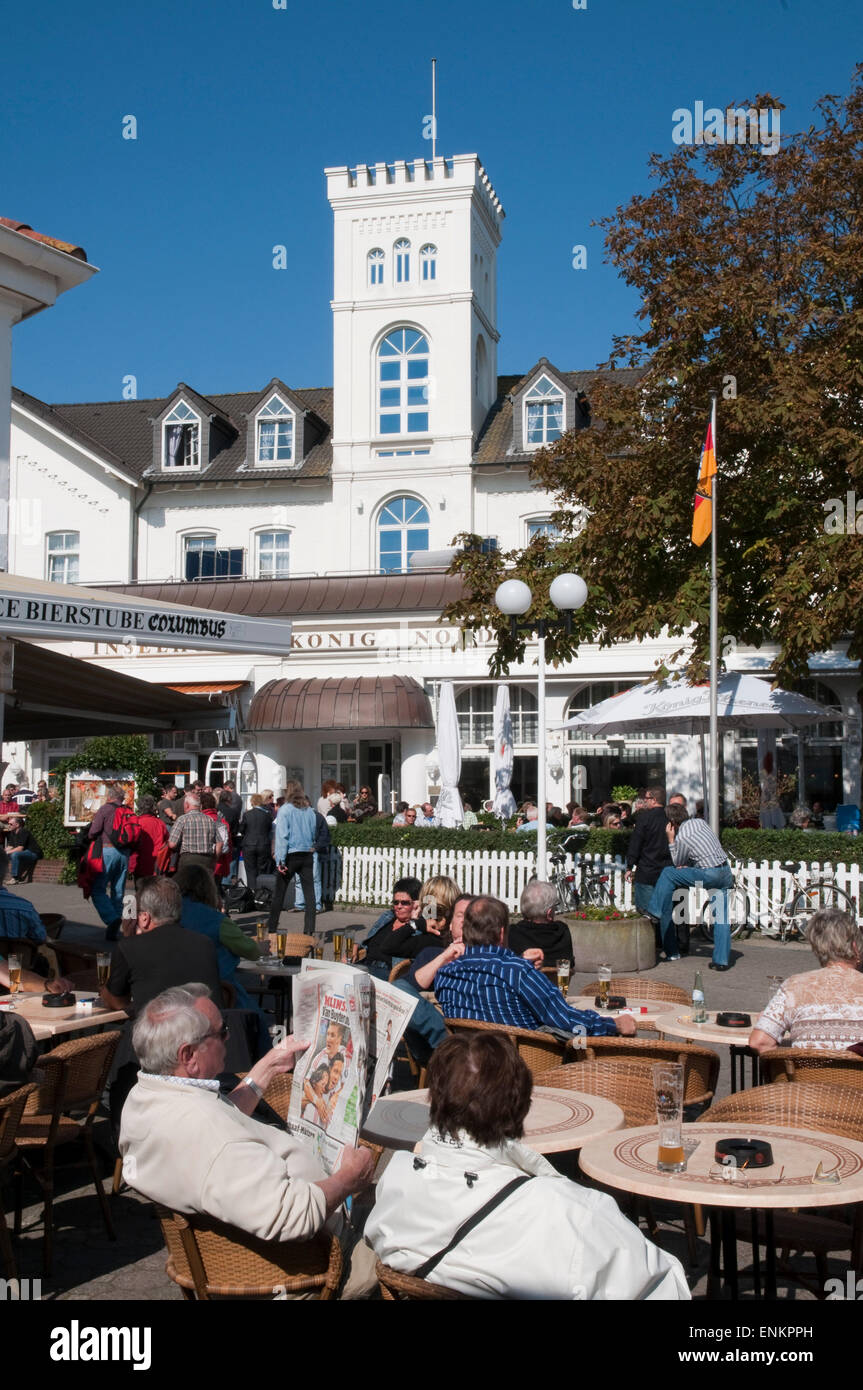 town centre with cafe, Norderney, North Sea island, Ostfriesland, Lower Saxony, Germany Stock Photo