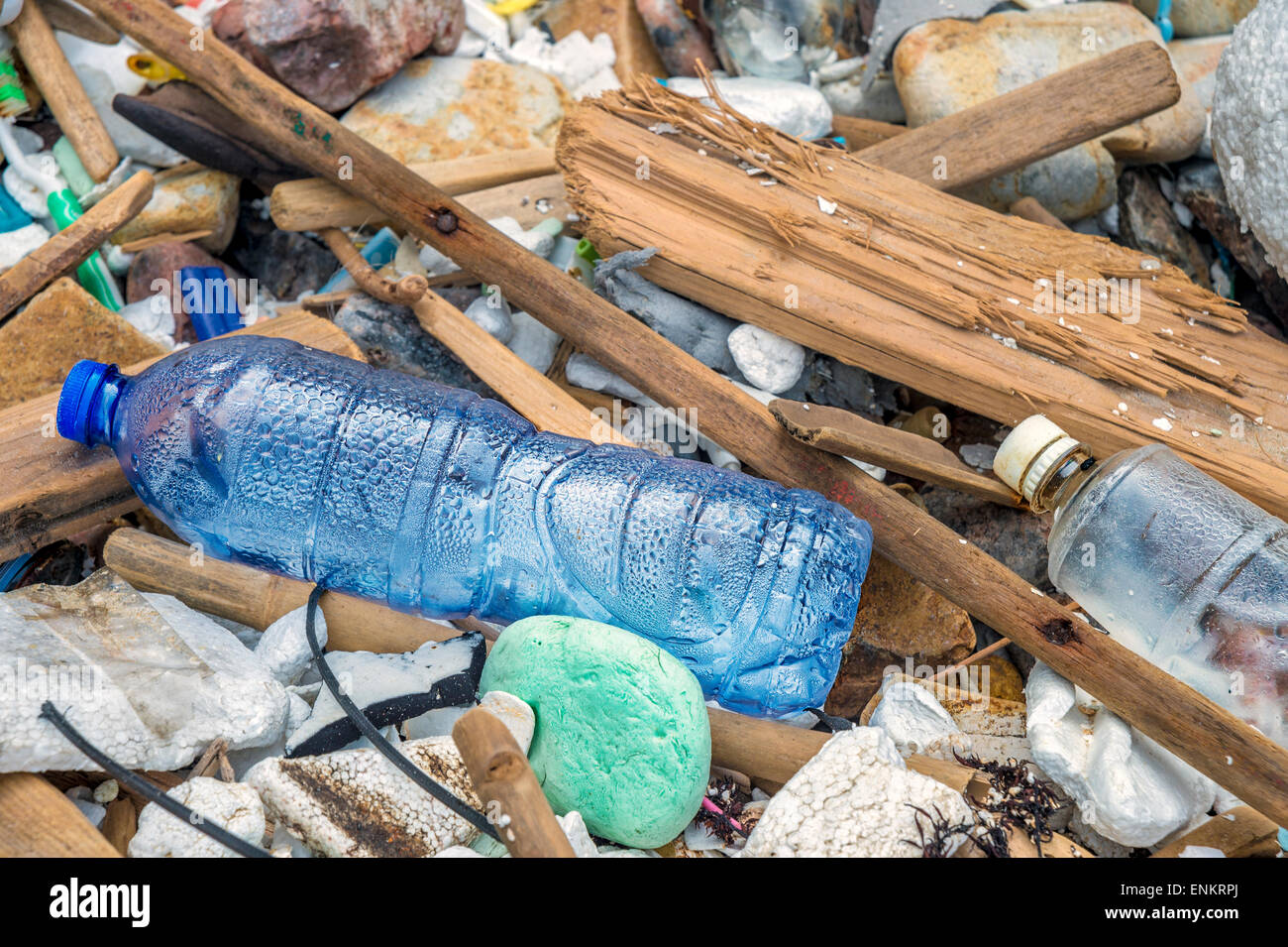 Rubbish on a beach, in Hong-Kong - Stock Image
