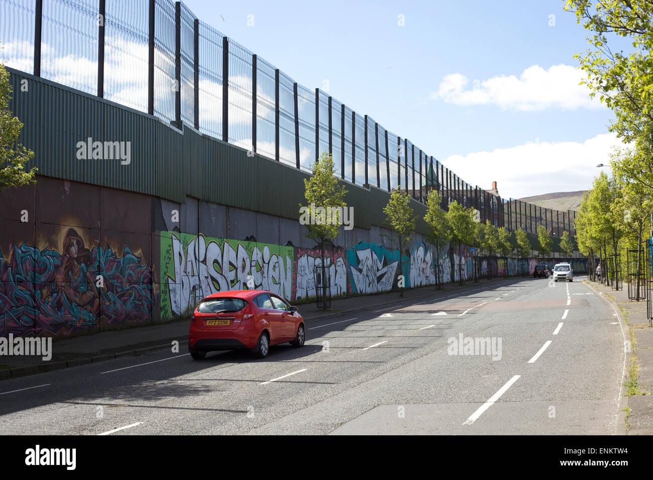 Peace Wall, Shankill Road, Belfast, Northern Ireland - Stock Image