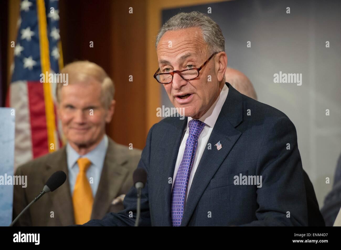 Democratic Senators Call For >> U S Democratic Senator Chuck Schumer Joins Other Senators For A