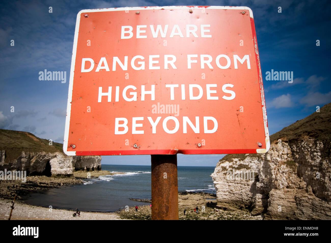 high tide tides sea seas rising levels levels warning global warming climate change flood floods flooding extreme - Stock Image