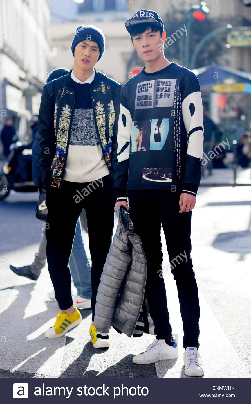 Models Off Duty, Lee and John, during Paris Men's Fashion Week, FW15/16 PFW France. - Stock Image