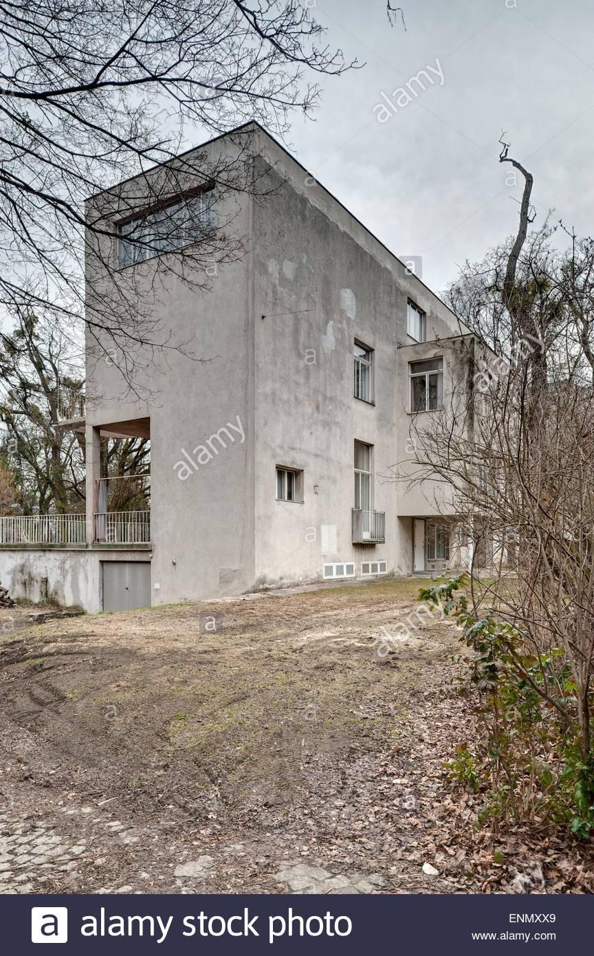 Wien, Haus Beer, Architekt Josef Frank 1931 (Das Haus Beer in der Wenzgasse 12 ist eine der bedeutendsten Wiener - Stock Image
