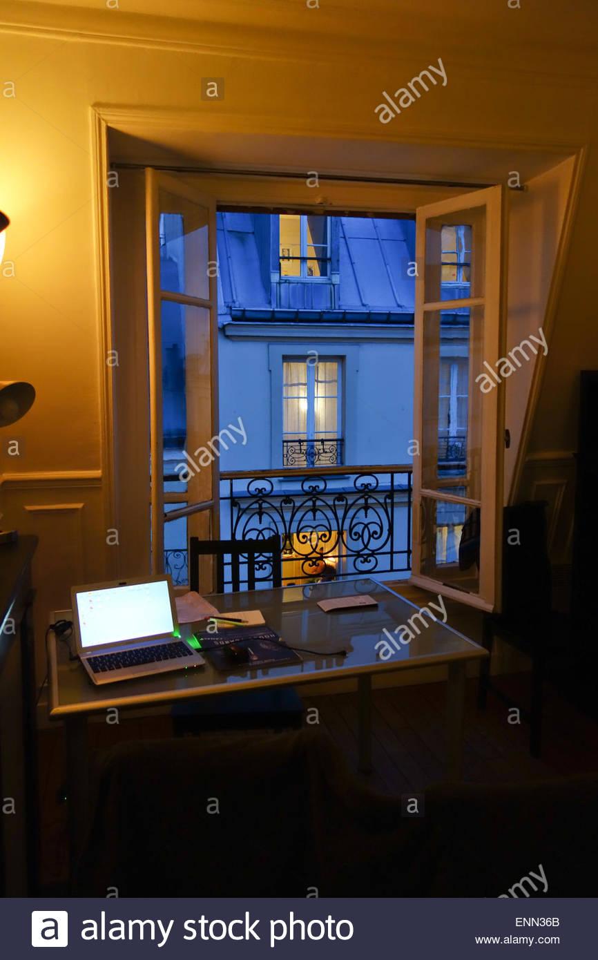 Paris, Montmartre, Blick aus einer Dachwohnung - Stock Image