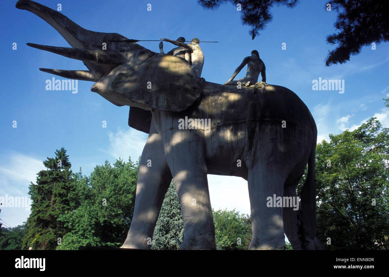 BEL, Belgium, Tervuren, elephant sculpture in front of the the Royal Africa Museum.  BEL, Belgien, Tervuren, Elefantenskulptur - Stock Image