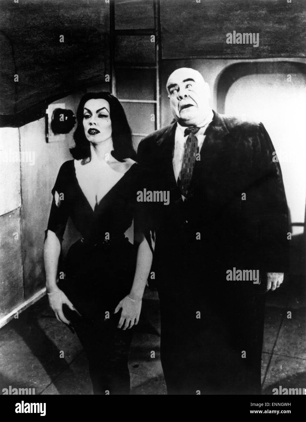 Plan 9 from Outer Space, USA 1959, Regie: Edward D. Wood Jr., Darsteller: Vampira, Tor Johnson - Stock Image