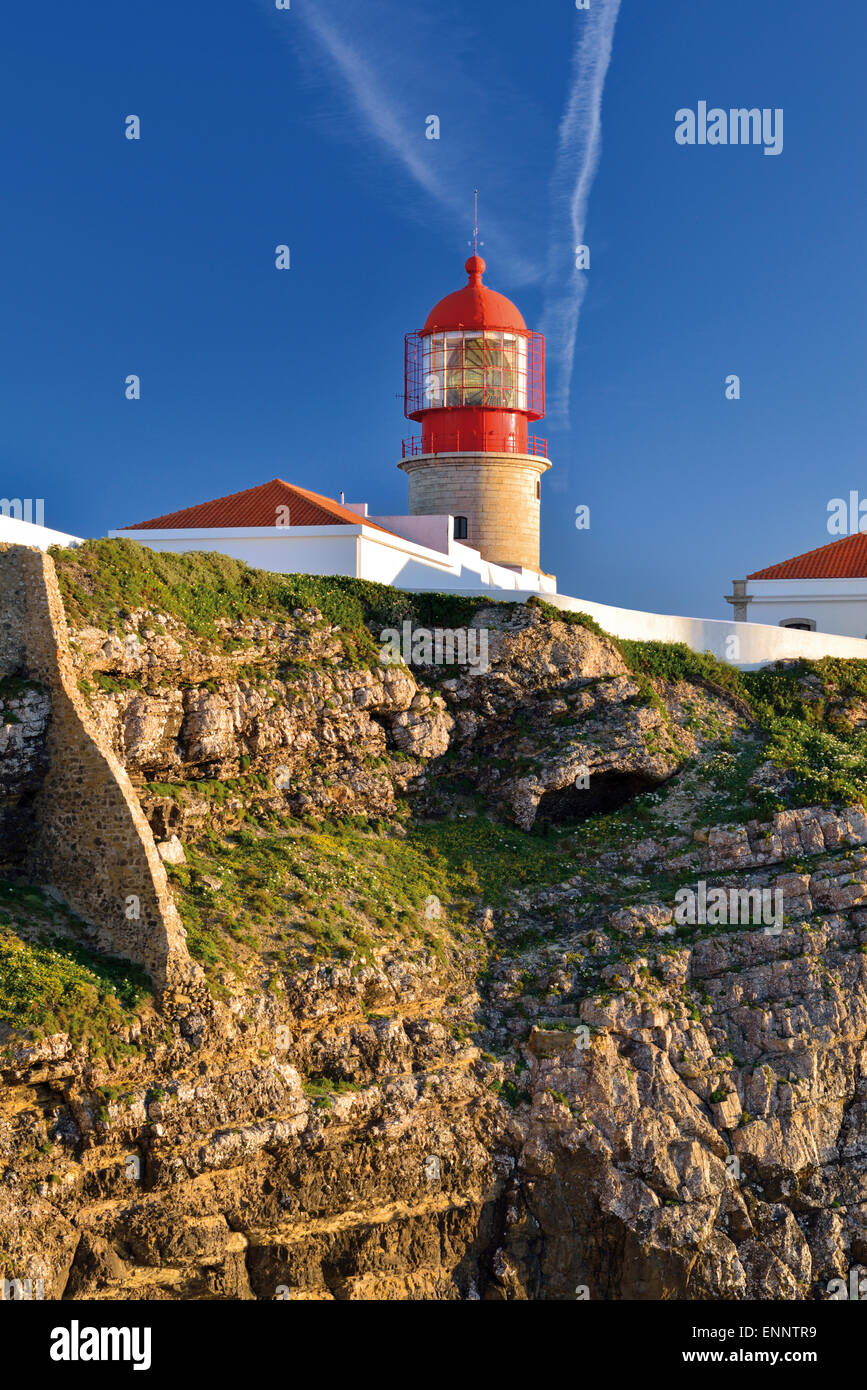 Portugal, Algarve: Lighthouse Saint Vincent at Cape Vincent Stock Photo