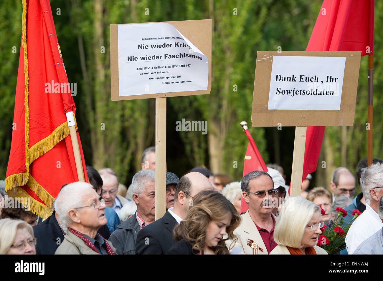 People gather at the Soviet Memorial in Treptower Park for the rally 'Tag der Befreiung vom Faschismus' (Day of Stock Photo