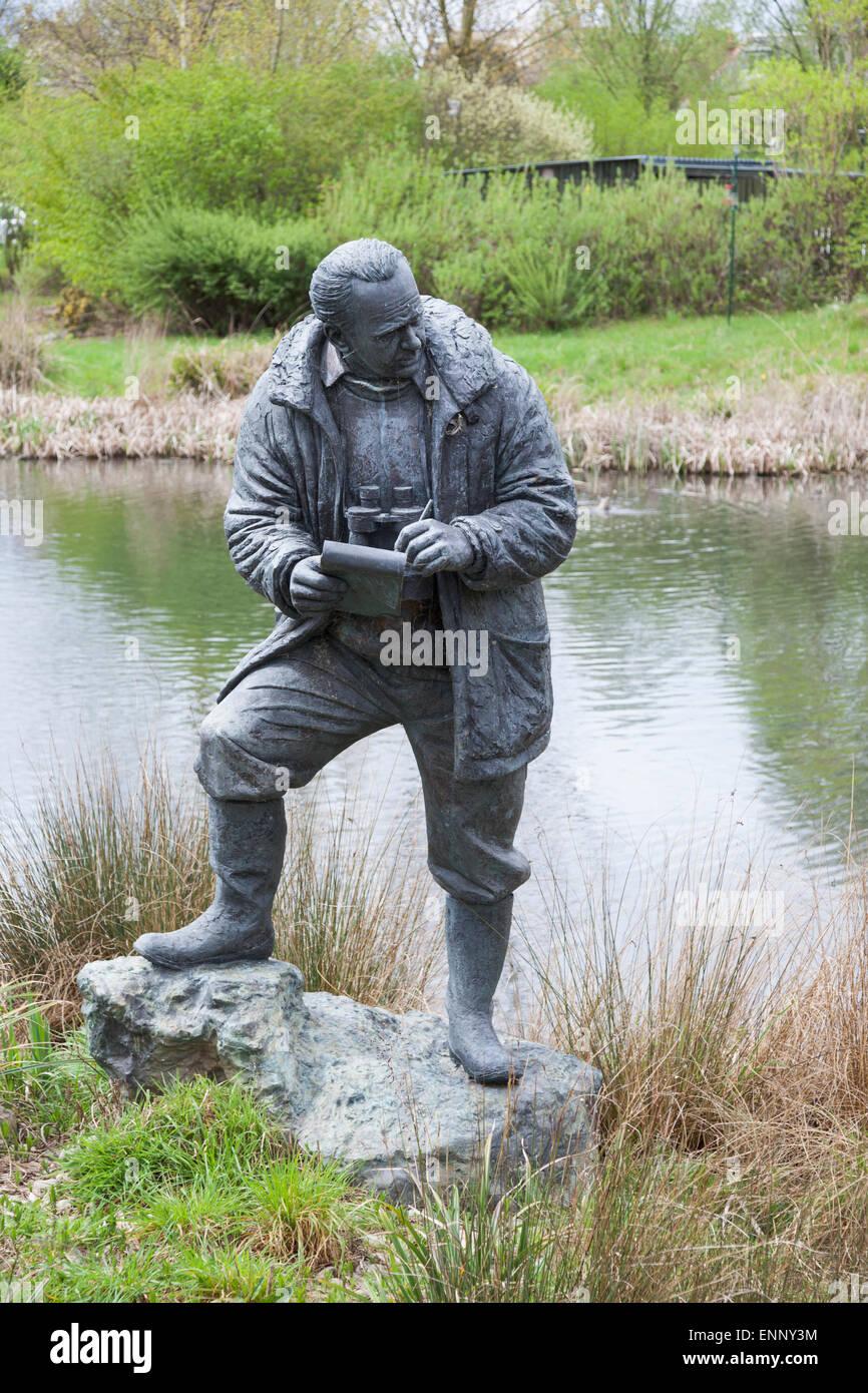 Sir Peter Scott sculpture at London Wetland Centre Stock Photo