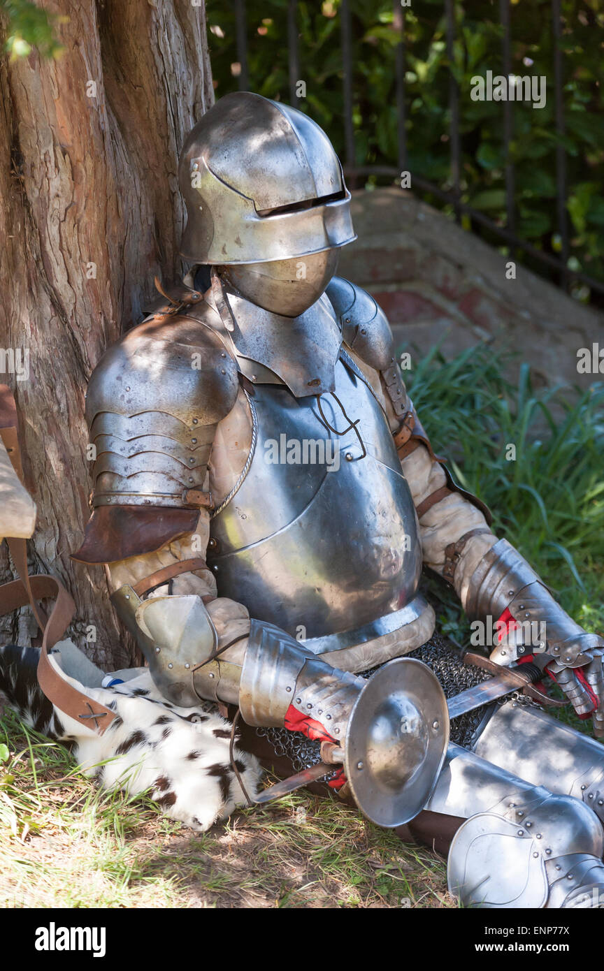 Oving west sussex, UK. 9th May 2015. The sun come out and shone on west sussex Village Oving for its 8th anual scarecrow - Stock Image
