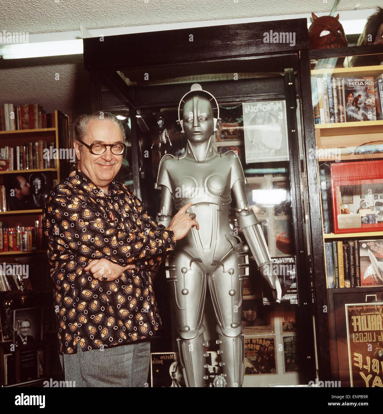 Der US-Amerikaner Forrest James Ackerman (1916 - 2008), bekannt als Mr. Science Fiction. Autor, Verleger und Sammler - Stock Image