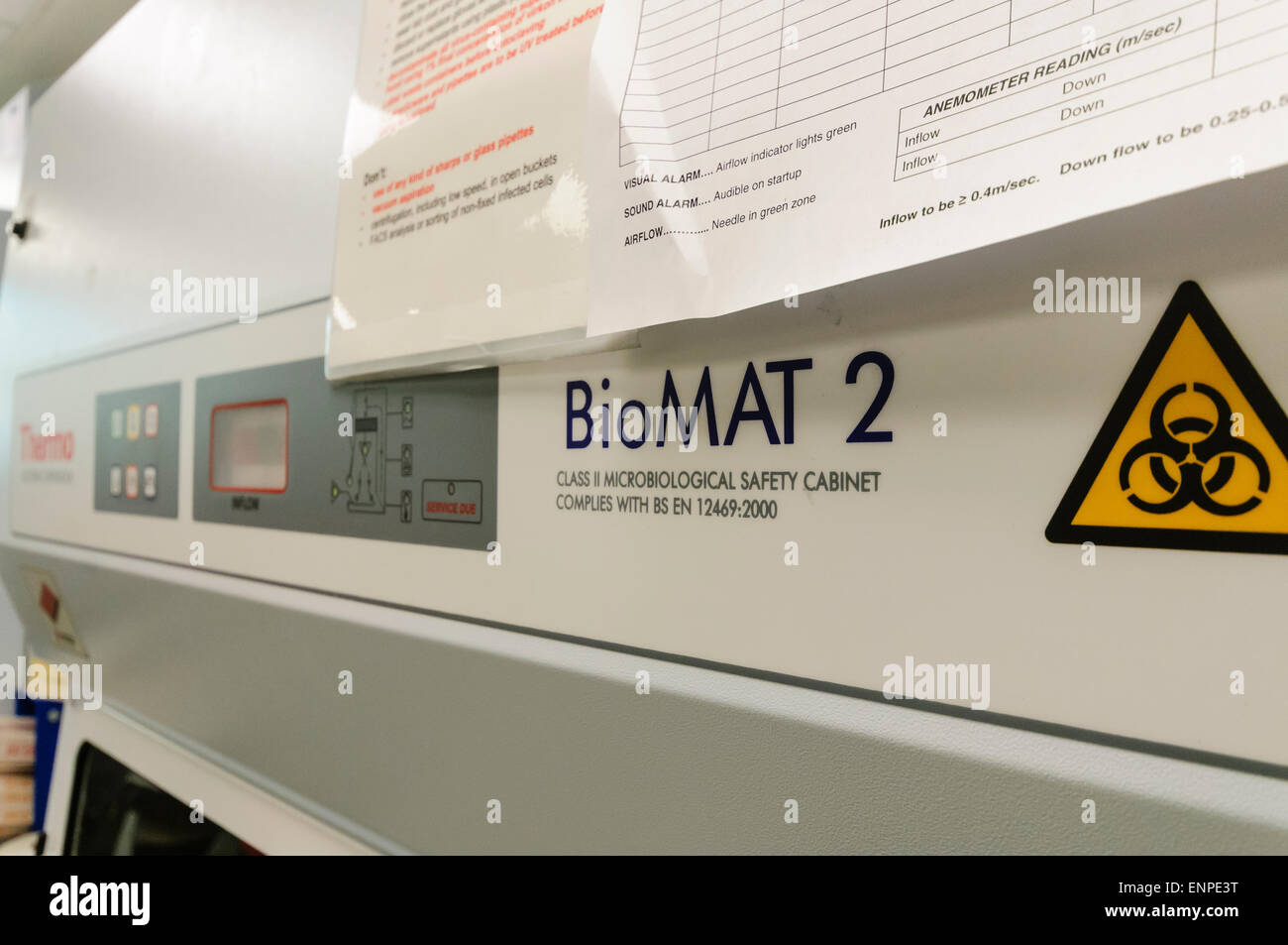 Thermo Electron Corporation BioMat 2 microbiological safety cabinet in a research laboratory. - Stock Image