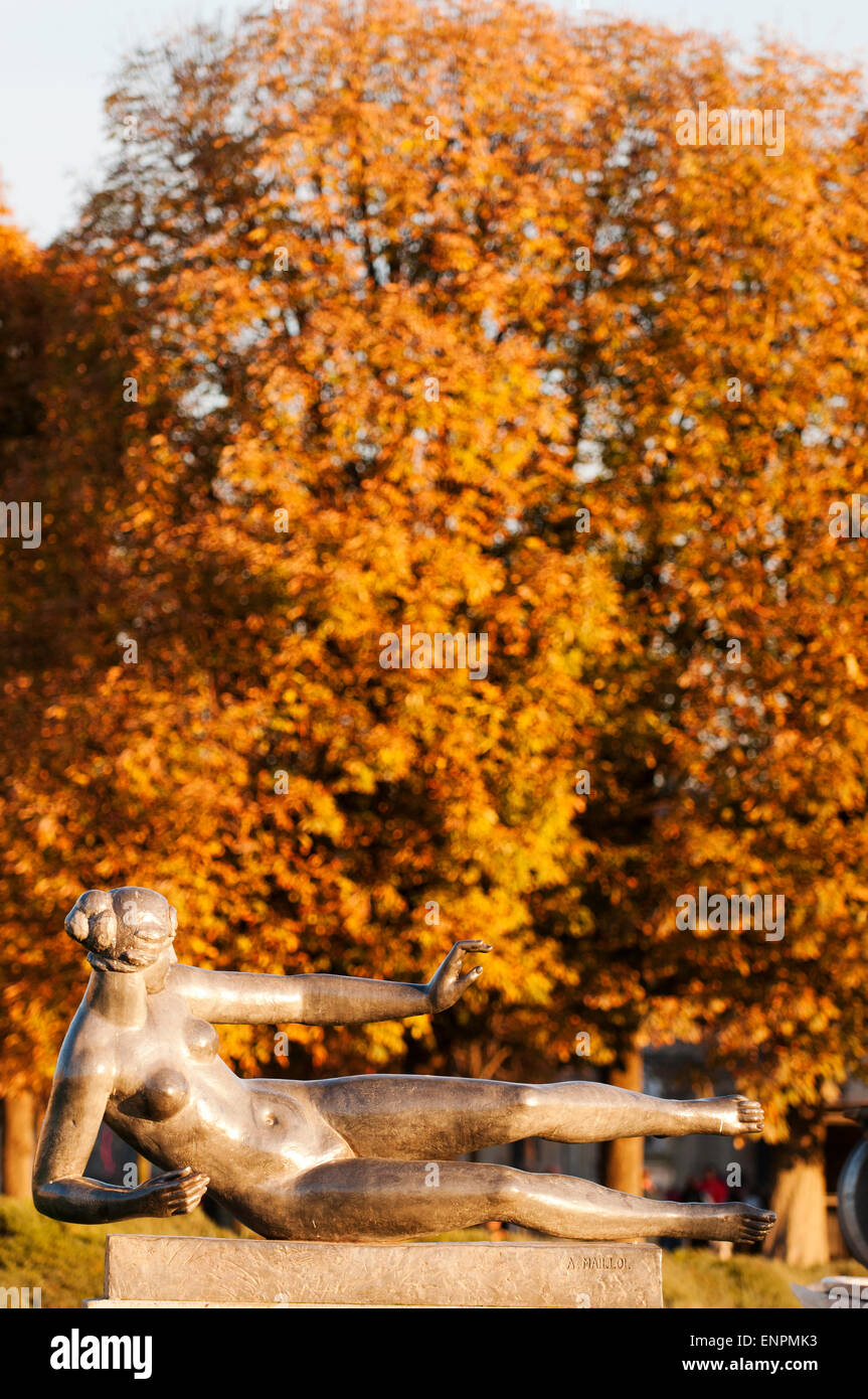Air by Aristide Maillol in the Tuileries Garden during autumn. - Stock Image