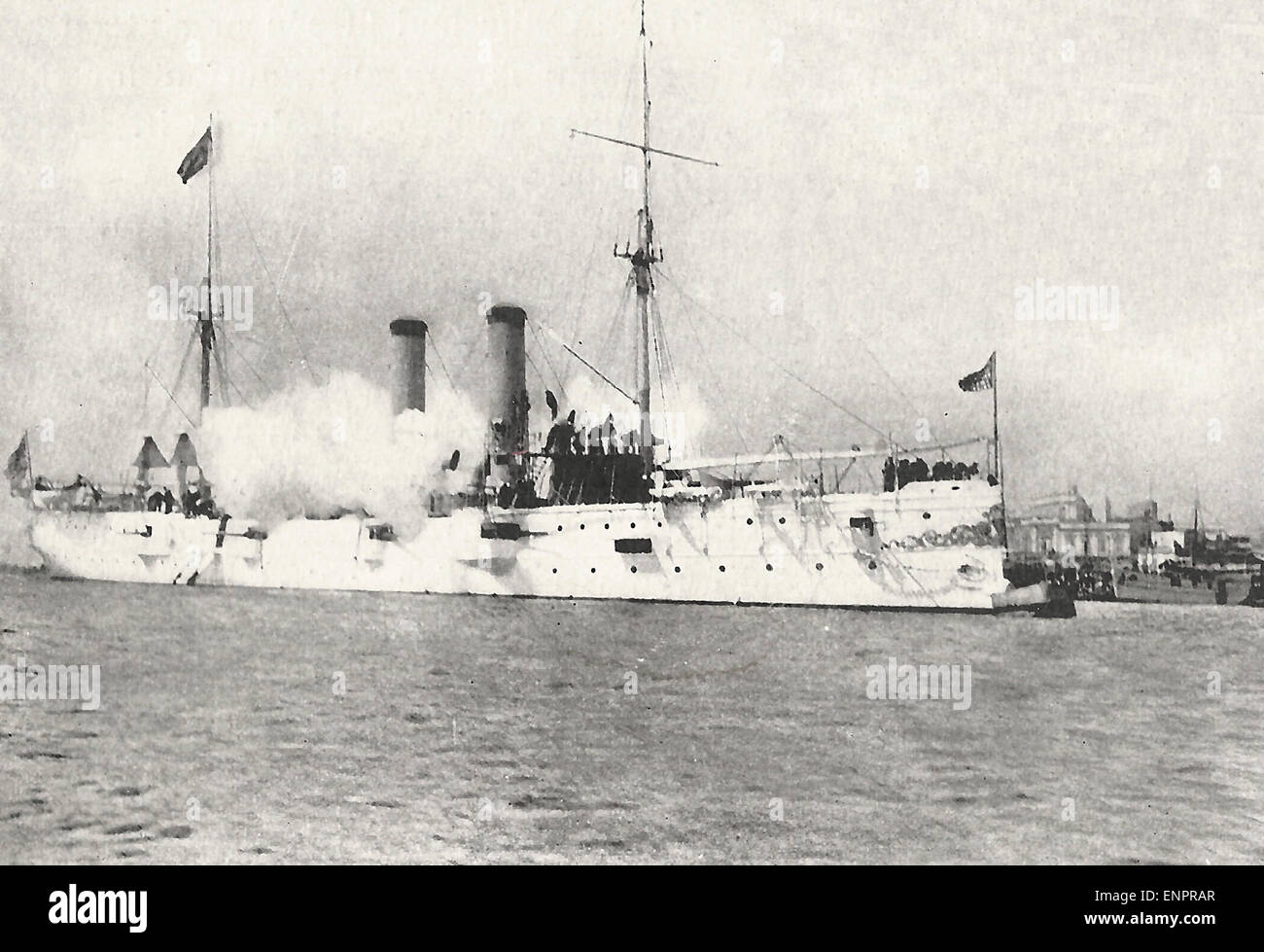 The USS Montgomery saluting on her arrival at Havana, Cuba, circa 1898 - Stock Image