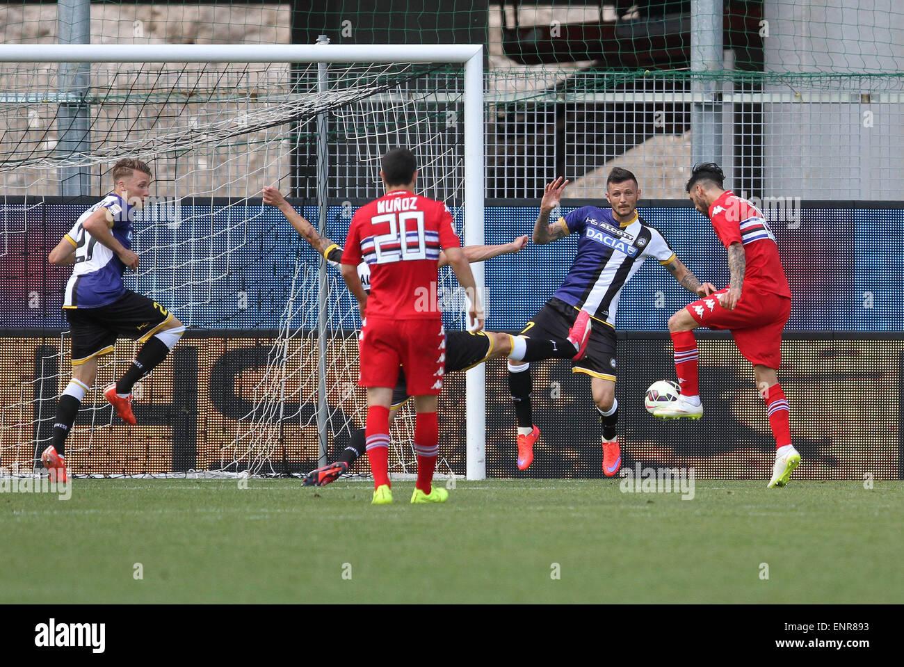 ITALY, Udine: Sampdoria's midfielder Roberto scoring goal 0-2 during the Italian Serie A football match between - Stock Image
