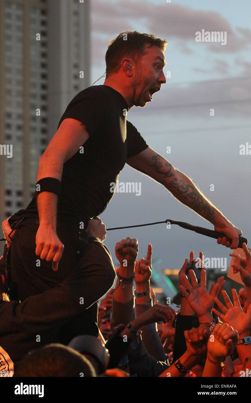 Las Vegas, NV, USA. 9th May, 2015. Tim McIlrath of Rise Against on stage for Rock in Rio USA 2015 - SAT, City of - Stock Image