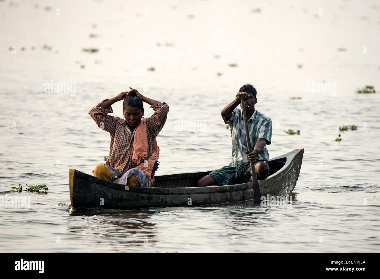 Indian In Canoe Stock Photos Amp Indian In Canoe Stock