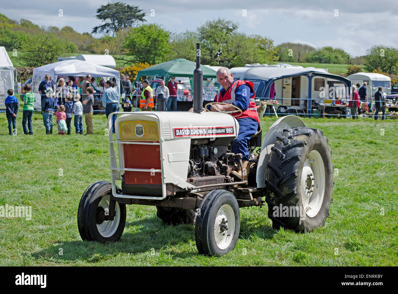 A David Brown selectamatic 990 vintage tractor at a rally in chacewater,  cornwall, uk