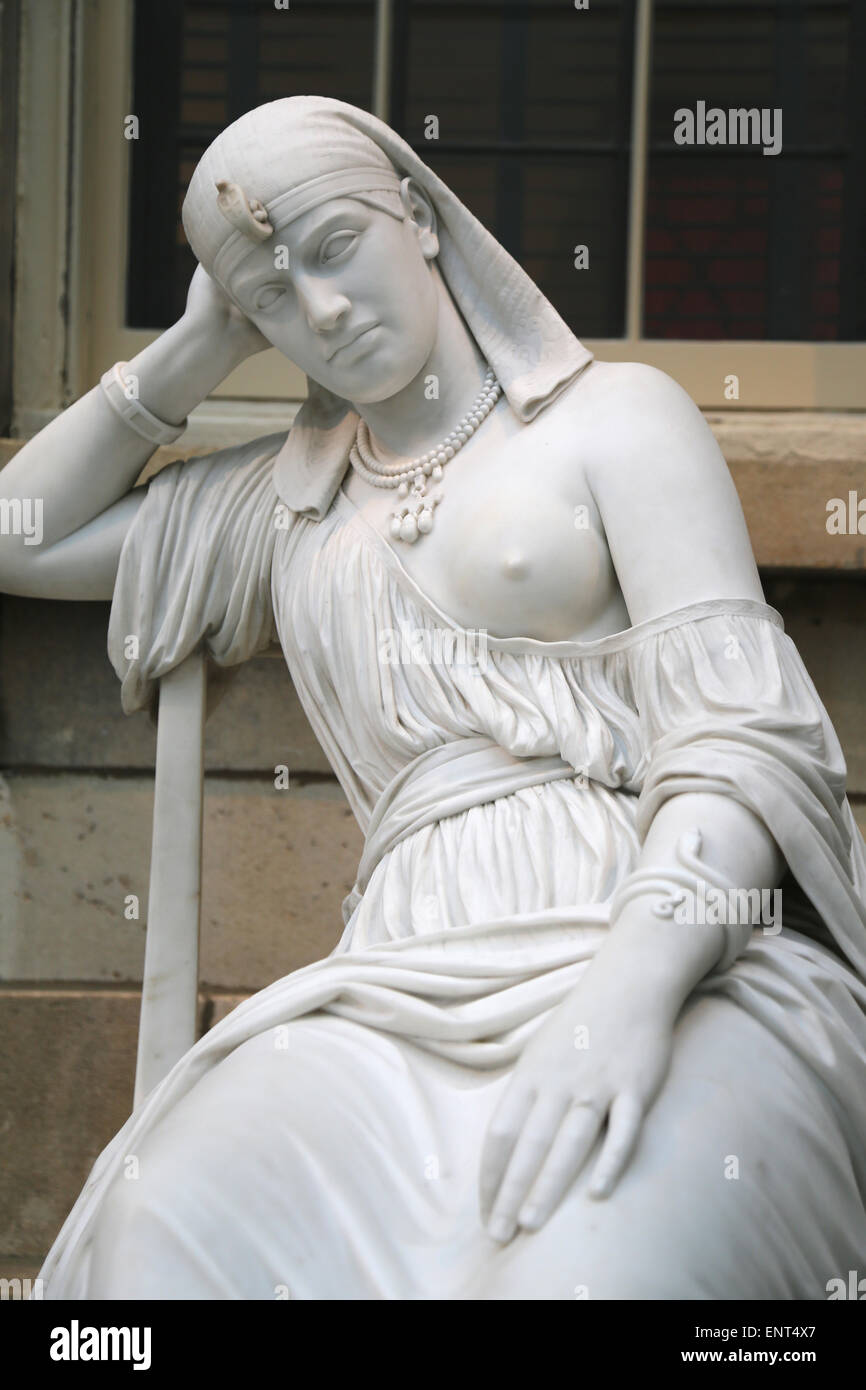 Cleopatra (69-30 BC). Queen of Egypt. Statue by William Wetmore Story (American, 1819-1895). Meditation on her suicide. - Stock Image