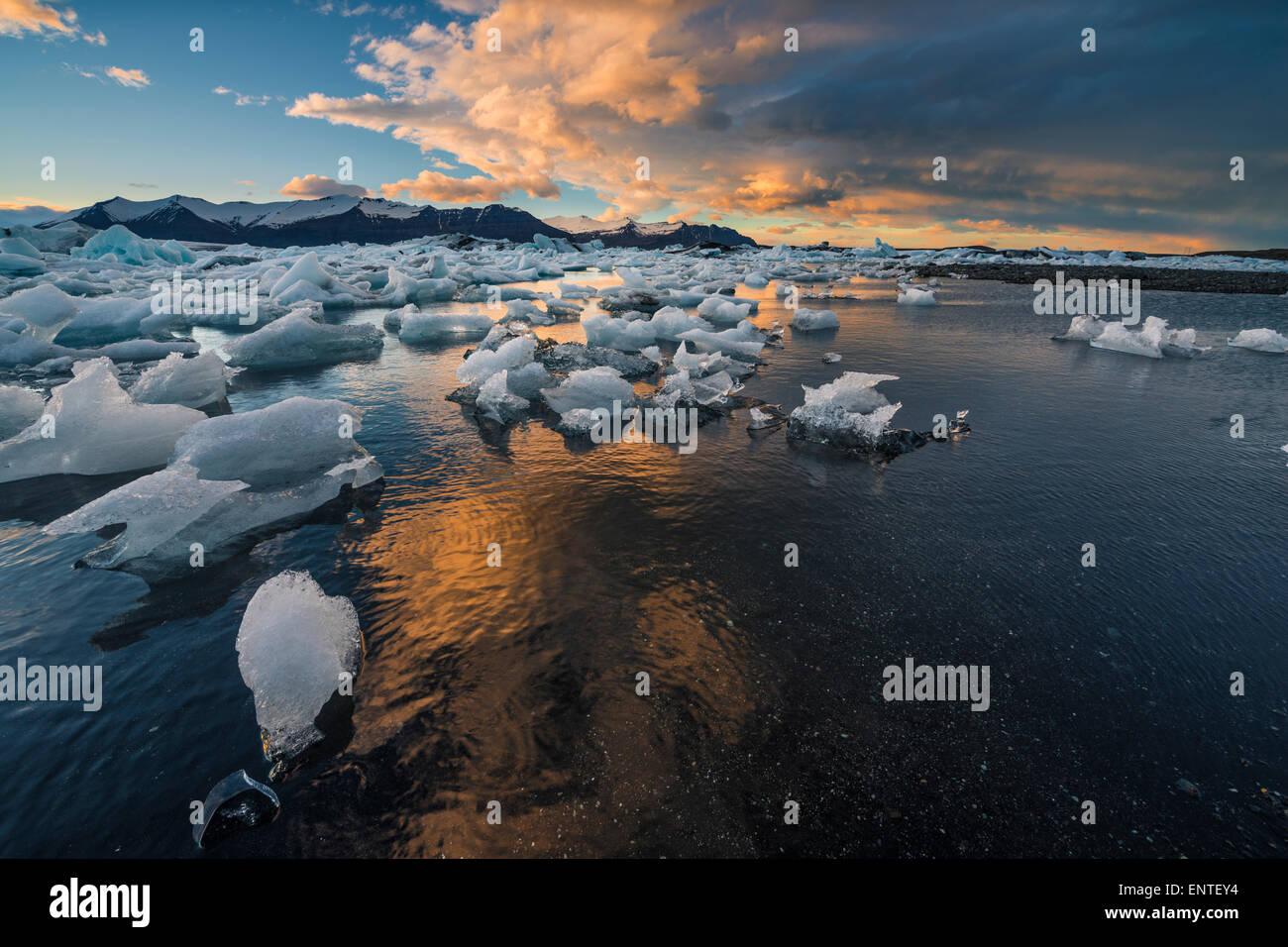 Iceland landscape - Vatnajokull National Park, Sunset at Jokulsarlon Lagoon - Stock Image