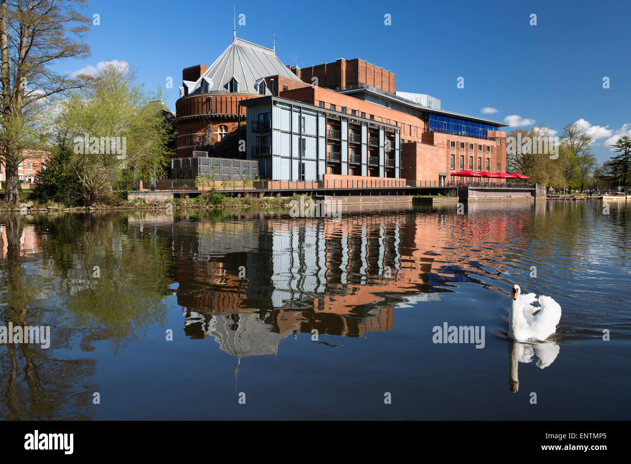 The Swan Theatre and the Royal Shakespeare Theatre on the River Avon, Stratford-upon-Avon, Warwickshire, England, - Stock Image