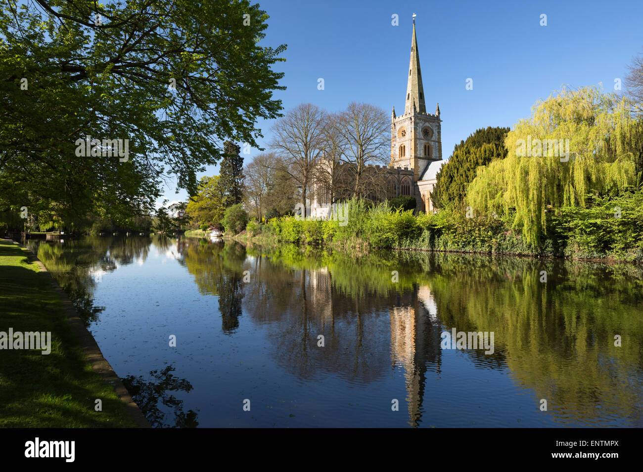 Holy Trinity Church (Shakespeare's burial place) on the River Avon, Stratford-upon-Avon, Warwickshire, England, - Stock Image