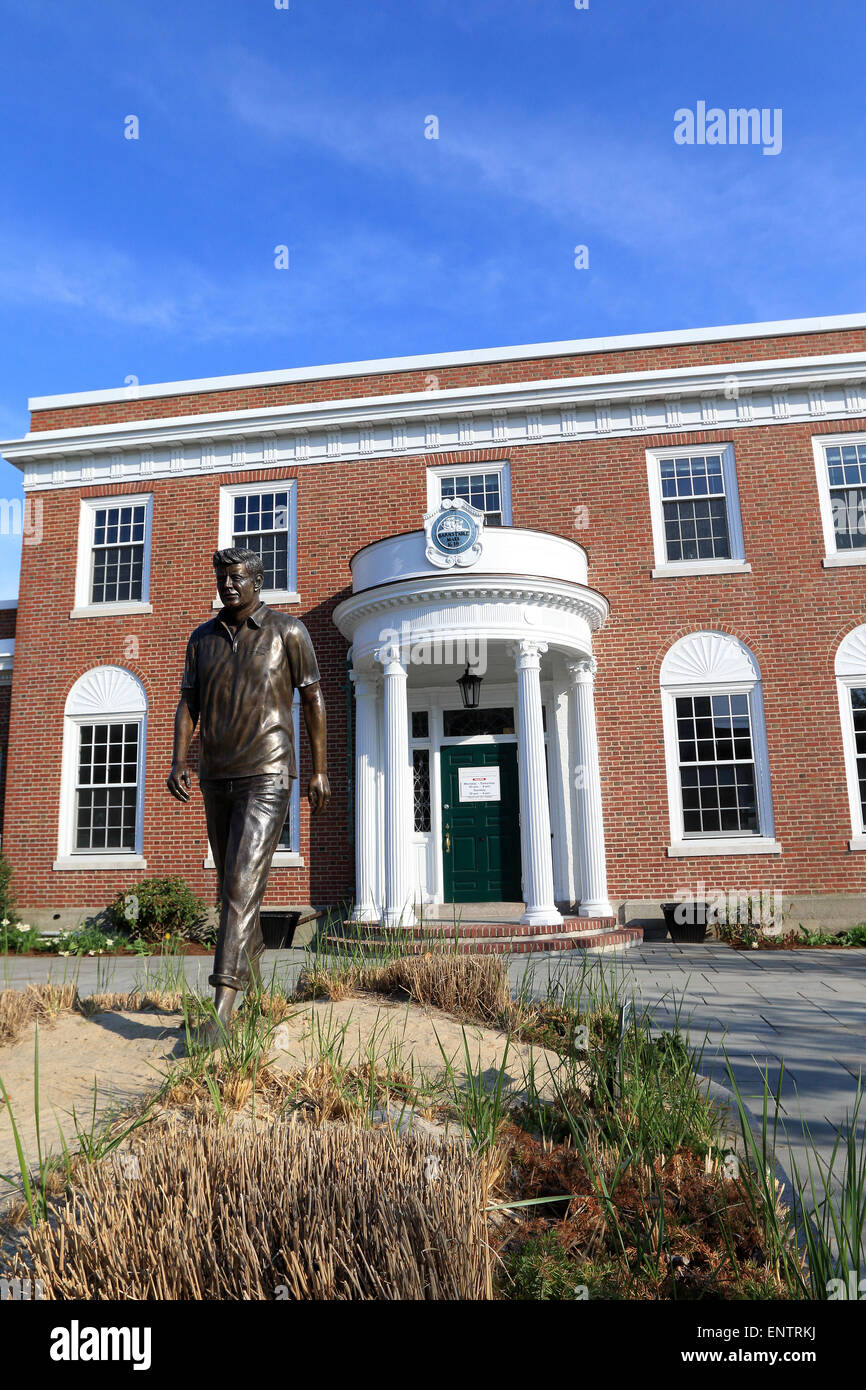 John F Kennedy, JFK museum in Hyannis Port Massachusetts. The statue depicts the times he would walk the beaches - Stock Image