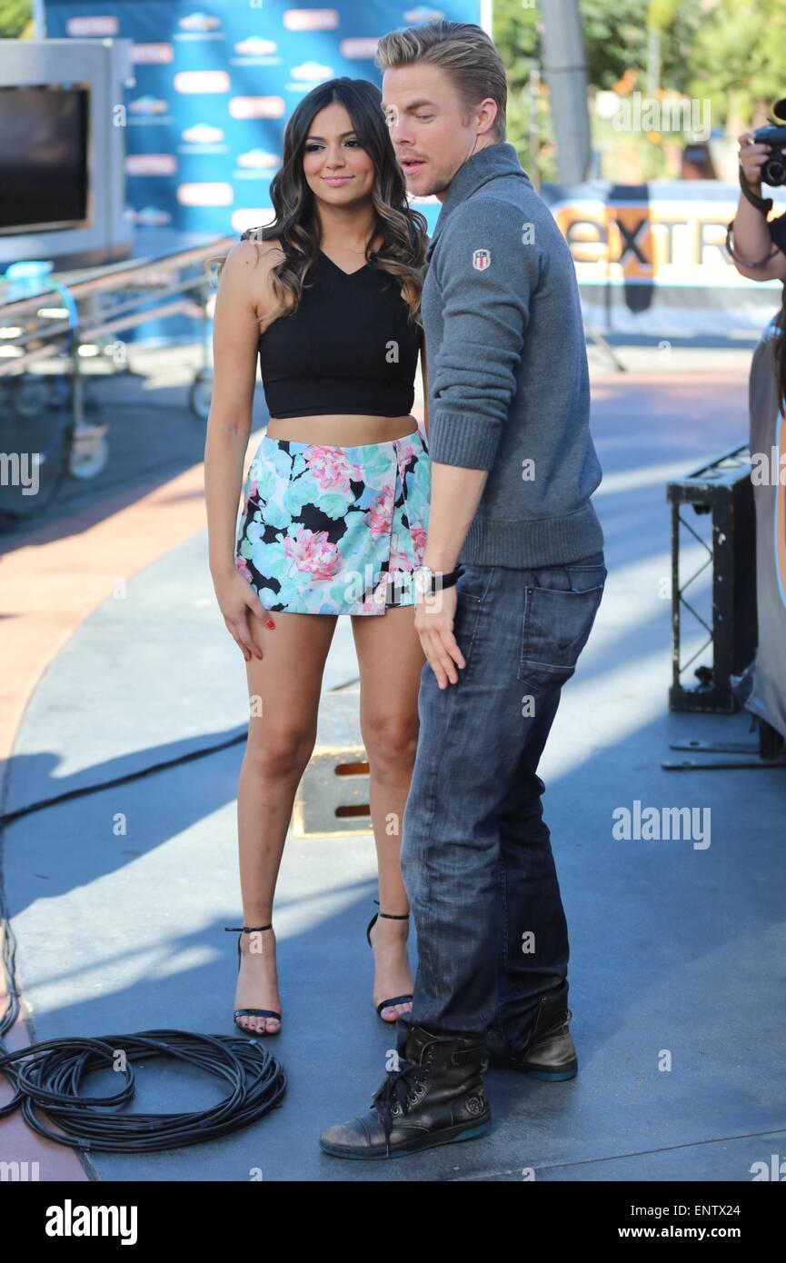 är Bethany och Derek dating