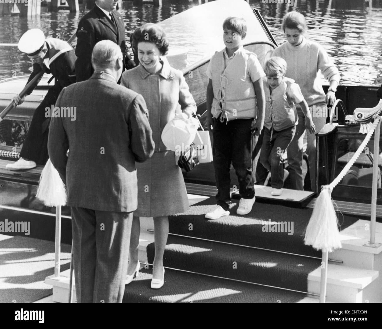 Royal Tour, The Queen meeting King Olaf of Norway. Prince Edward, Prince Andrew and Princess Anne. 13th June 1969. - Stock Image