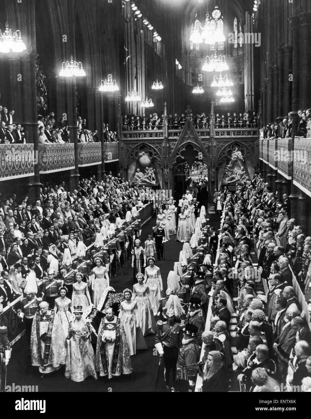 The Coronation of Queen Elizabeth II. The Queen walks in procession to the West door of Westminster Abbey. 2nd June - Stock Image