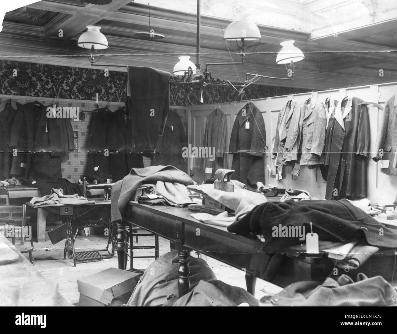 Schwarz Weiß Im Arbeitszimmer: Workroom Stock Photos & Workroom Stock Images