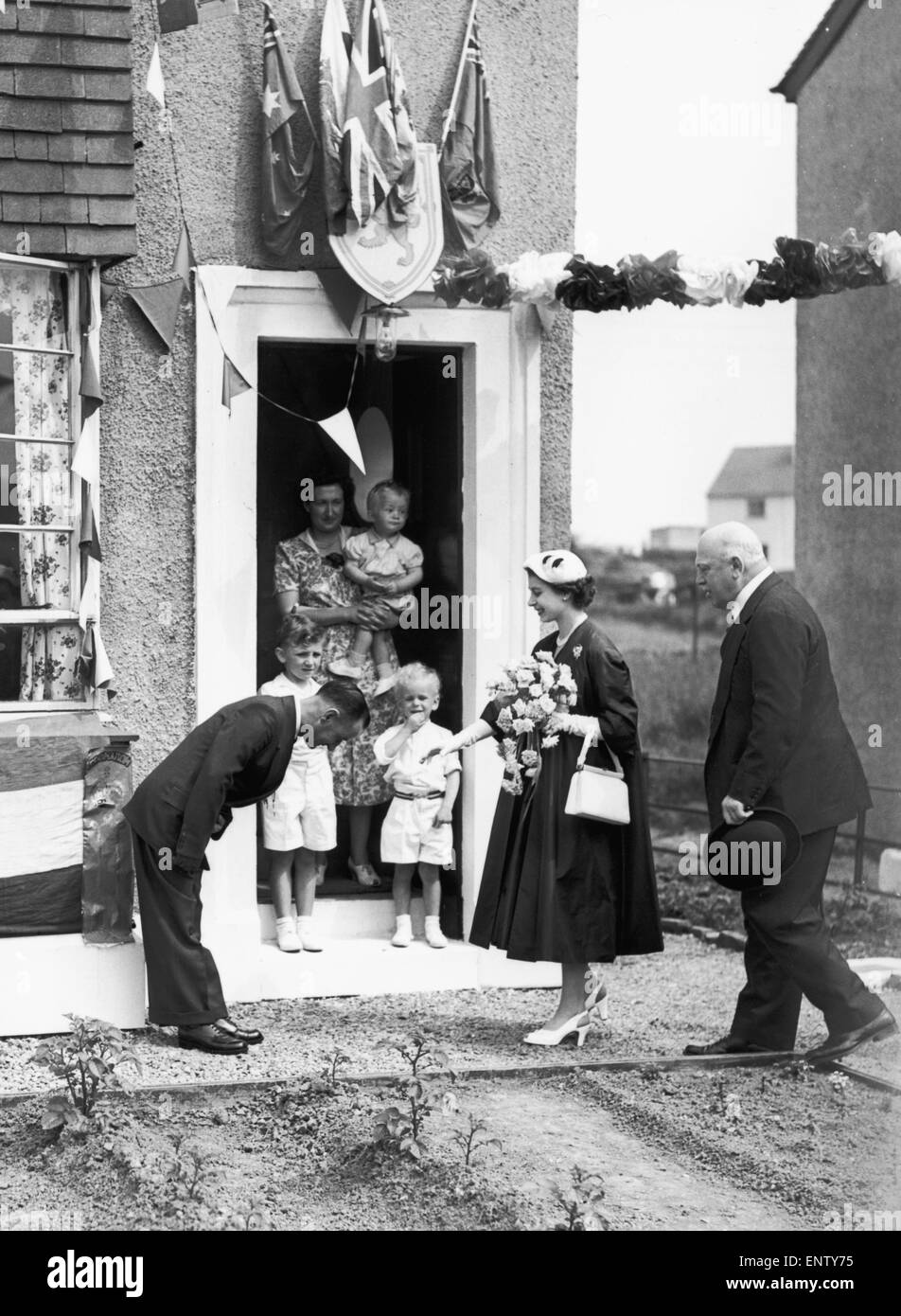 The Queen visits a war veteran during her Coronation tour of Scotland in 1953. - Stock Image