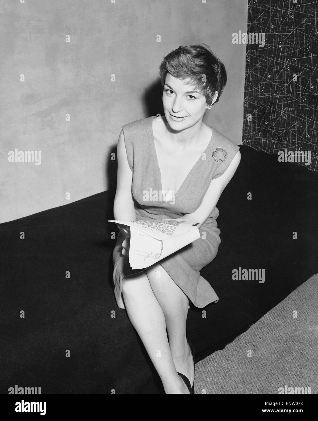 "English jazz singer and actress Annie Ross, who appears in the show ""Cranks"" 20th March 1956. Stock Photo"