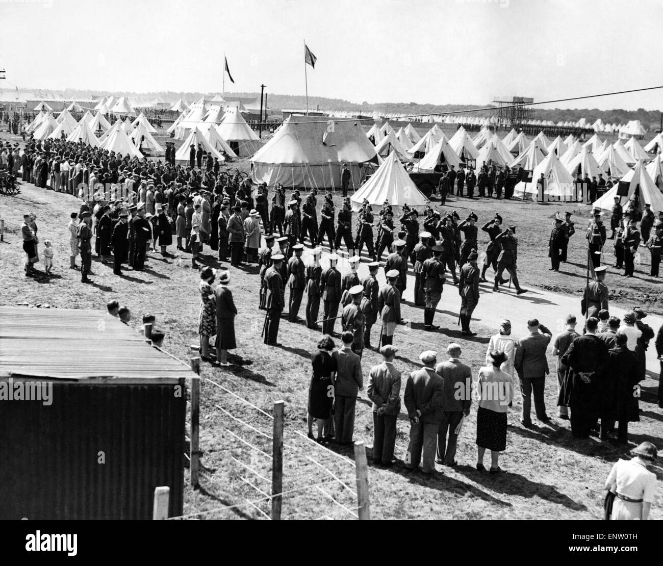 Burley Territorials' Big Parade: Marching past to the pipes.. a detachment of the London Irish Rifles at the - Stock Image