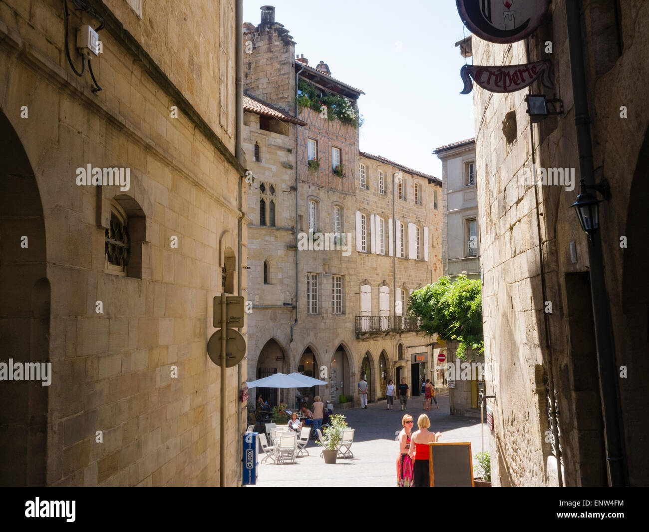 The historical town of Figeac in the Lot region of France is famous for its old merchants' houses with roof terraces. Stock Photo