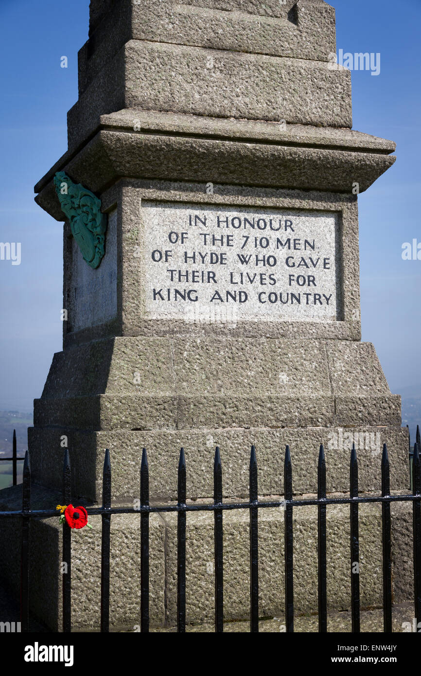 Cenotaph in Werneth Low Country Park - Stock Image