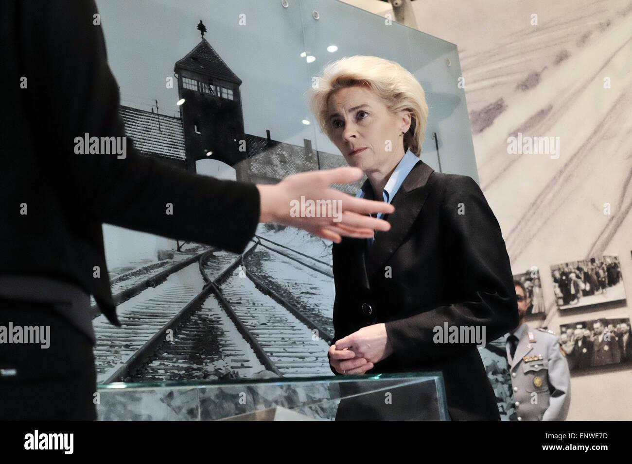Jerusalem, Israel. 12th May, 2015. Defense Minister of Germany, URSULA VON DER LEYEN (R), views the Auschwitz - - Stock Image