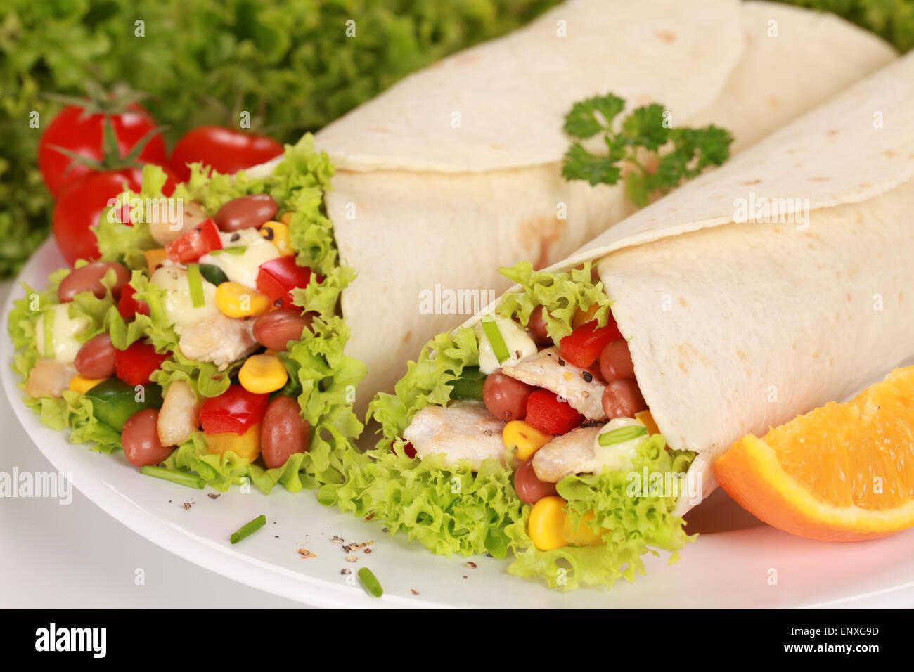 Zwei Chicken Wraps - Stock Image