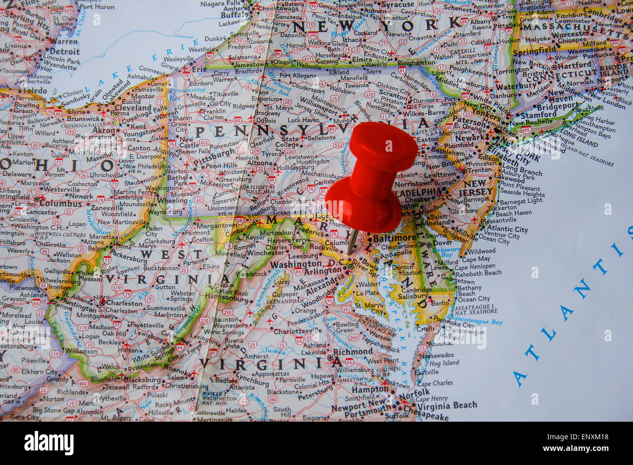 red pin on map of usa pointing at washington dc stock photo