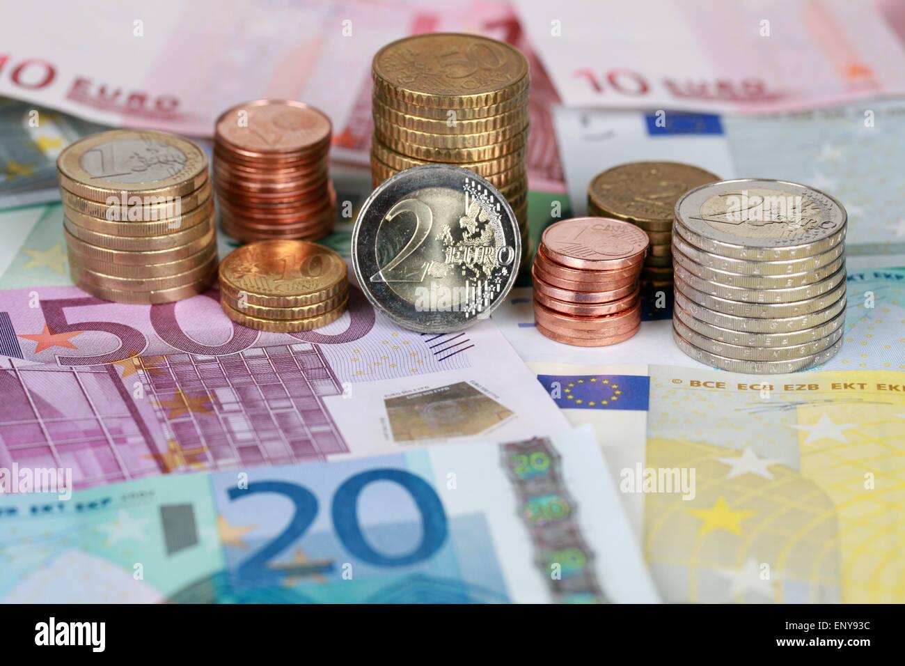 Euro Münzen und Scheine Stock Photo