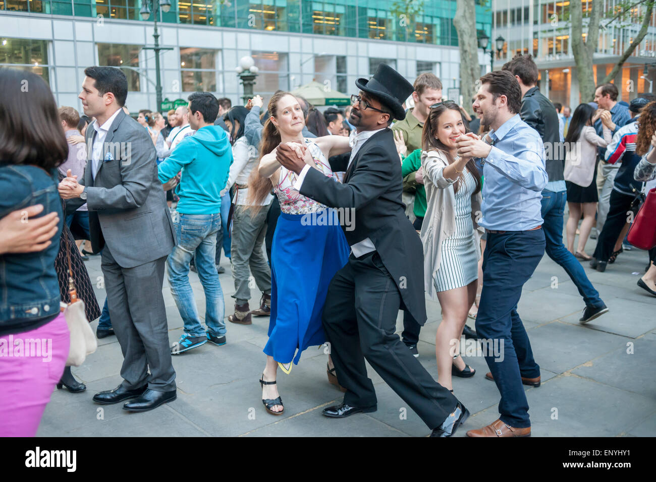 Hundreds channel their inner Fred Astaire and Ginger Rogers as they waltz  the night away on the opening night of Dancing in Bryant Park, with a Waltz  Ball, ...