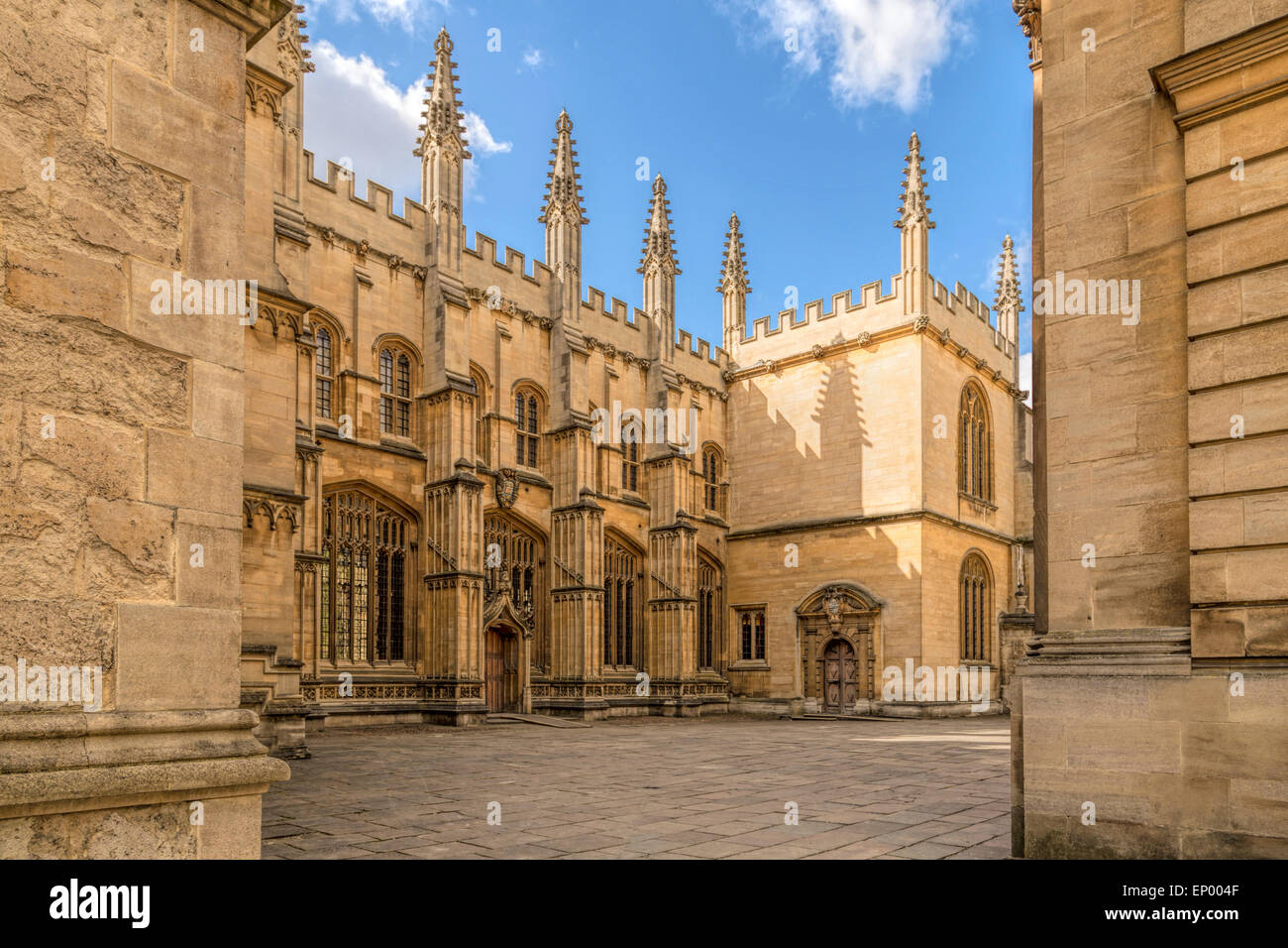 View into the courtyard of the Bodleian Library, one of the oldest libraries in Europe, Oxford, England, Oxfordshire, - Stock Image