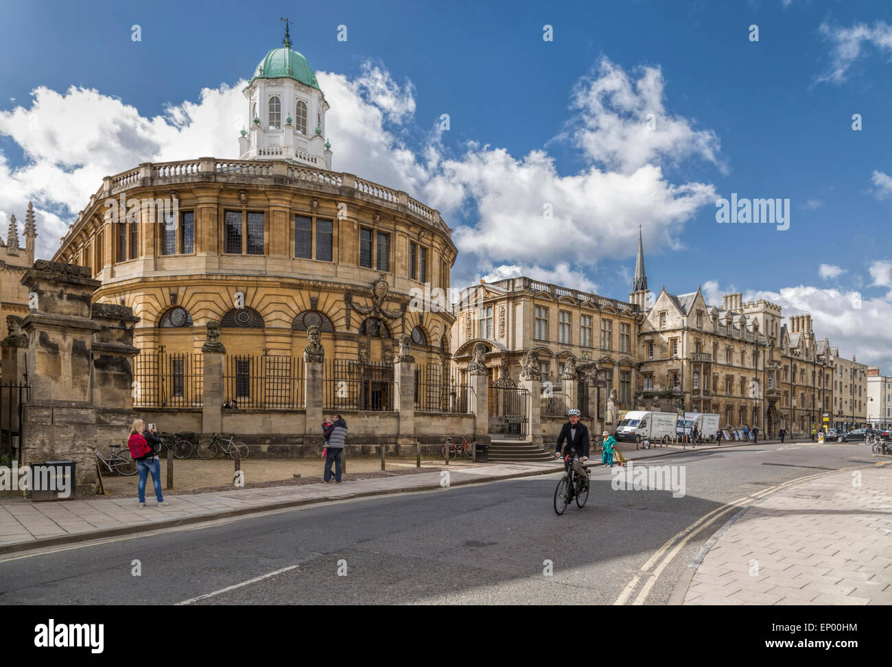 View from Broad Street on the Sheldonian Theatre, designed by Christopher Wren, in Oxford, England, Oxfordshire, Stock Photo