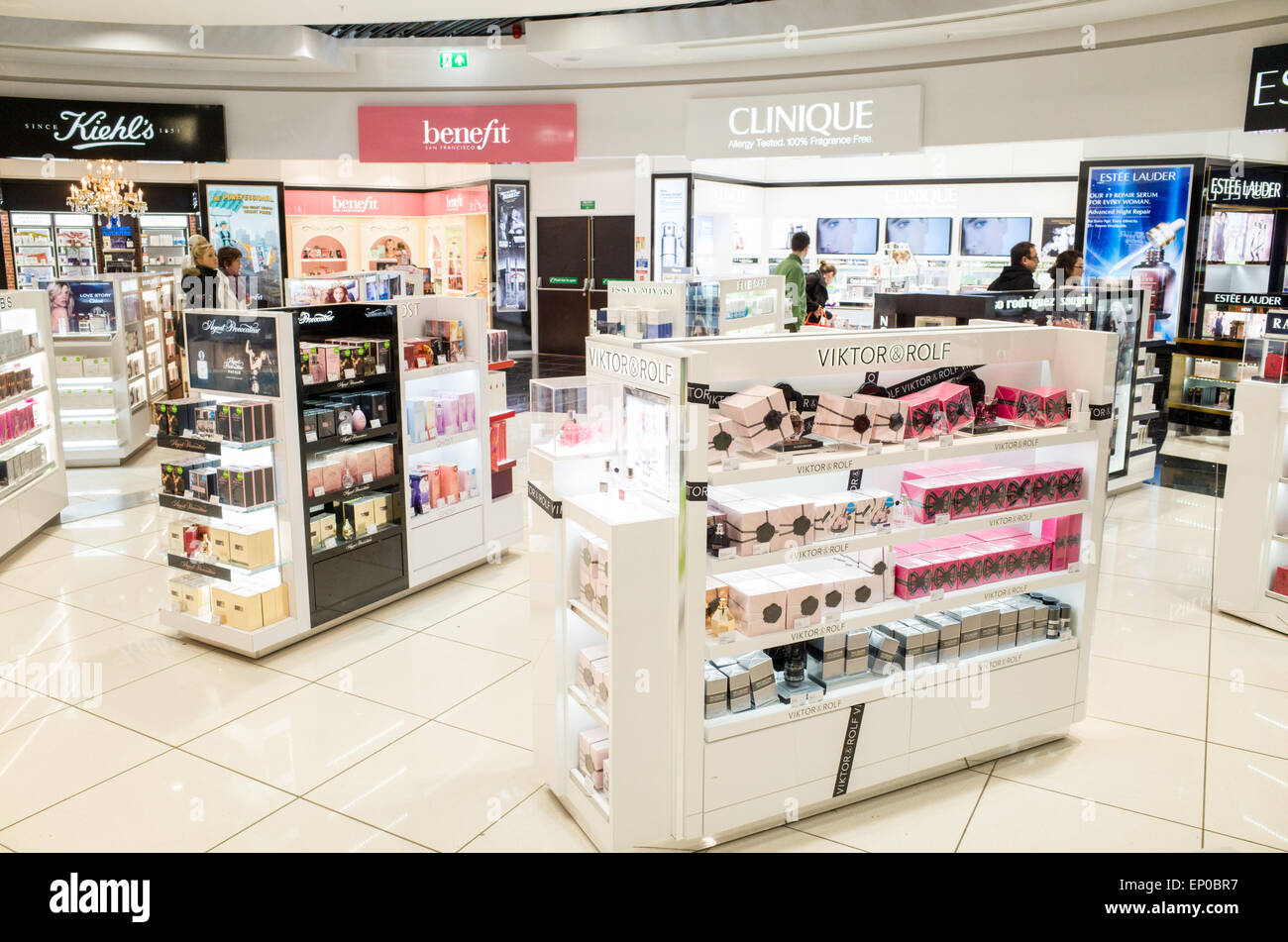 51757a60f672 Duty Free Stores Stock Photos   Duty Free Stores Stock Images - Alamy
