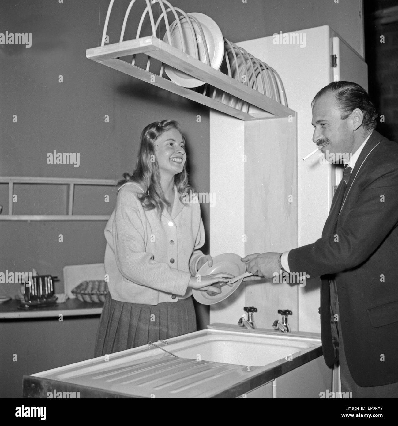 Eva Maria Bauer beim Theaterstück 'Der erste Frühlingstag', Hamburg 1956. Actress Eva Maria Bauer - Stock Image